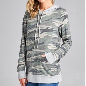 NWOT Camo Hoodie Trendy Boutique Top Small